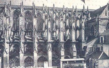 Vendôme, février 1907 : destruction du cloître de la Trinité