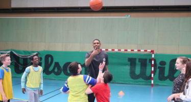 Mondoubleau: Des élèves du collège rencontrent les joueurs de l' ADA Blois Basket