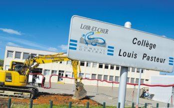 Première pierre au collège Louis Pasteur de Morée