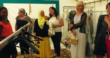 Les enjeux et les coulisses d'un défilé de mode réussi
