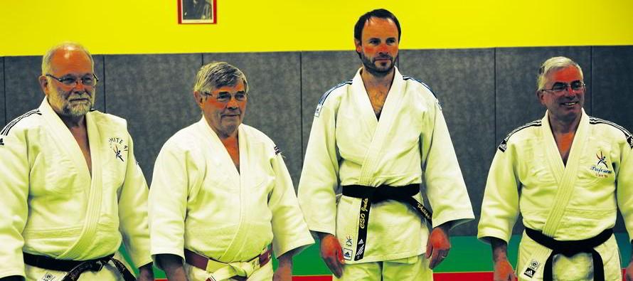 Une nouvelle ceinture noire dans un club de judo