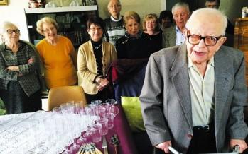 Fêter un siècle entre voisins