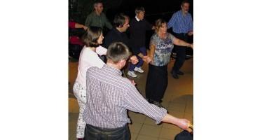 Découvrir et pratiquer la ronde chantée
